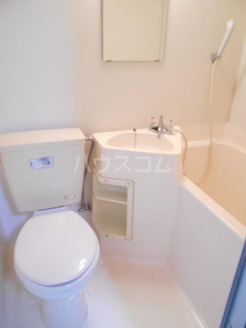 ハイネスジュン 205号室のトイレ