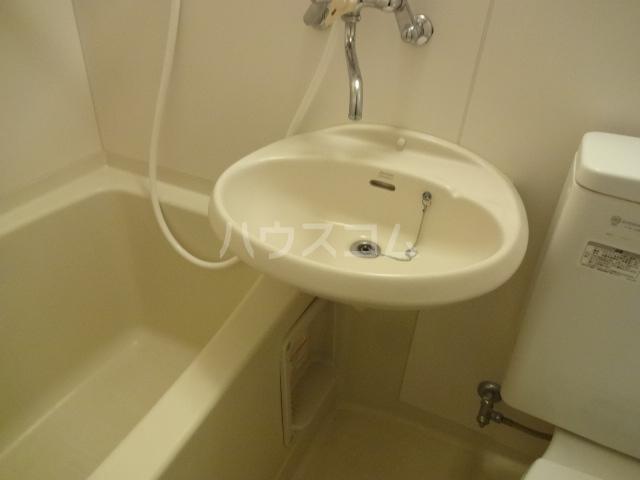 コーポY 102号室の洗面所