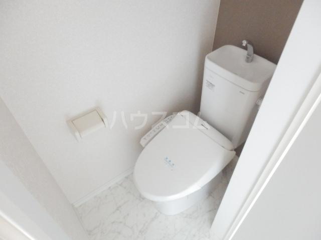 ロックヒル根岸 202号室のトイレ