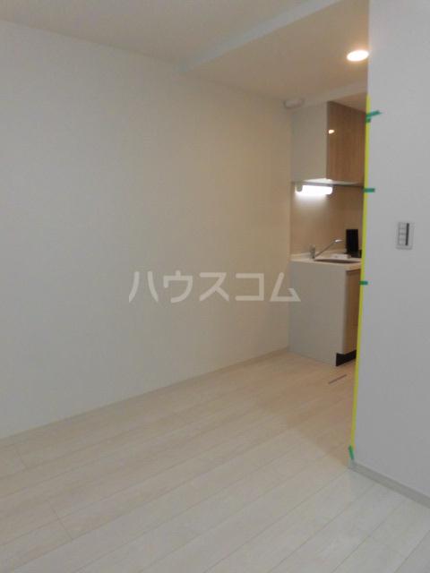 シャレー中目黒カワベ第18 303号室のリビング