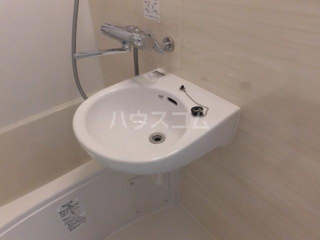 シャレー中目黒カワベ第18 303号室の洗面所