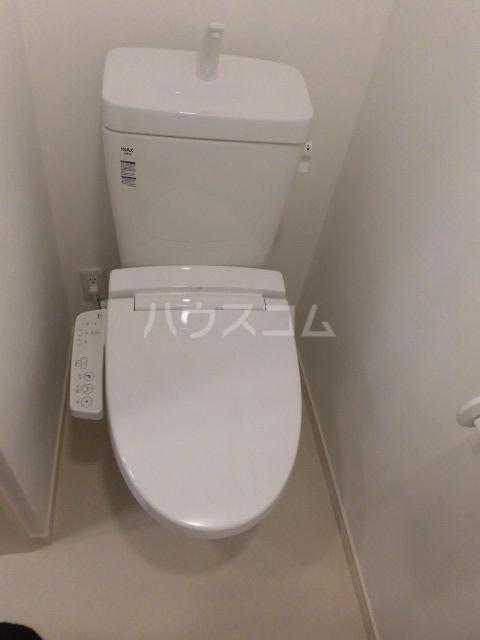 シャレー中目黒カワベ第18 303号室のトイレ