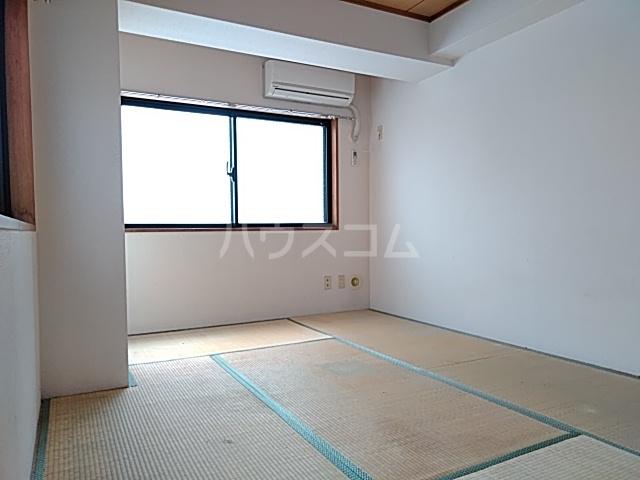 プライムホームズ 407号室のベッドルーム