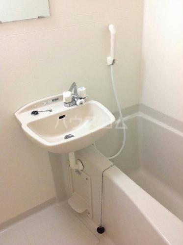 レオパレスレインボーステイツ 207号室の洗面所