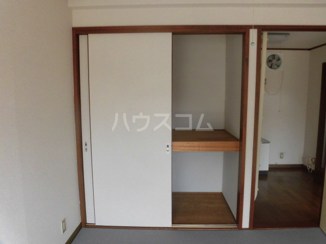 オーシャンパレス 00205号室の収納
