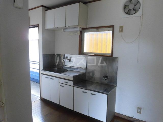 オーシャンパレス 00205号室のキッチン