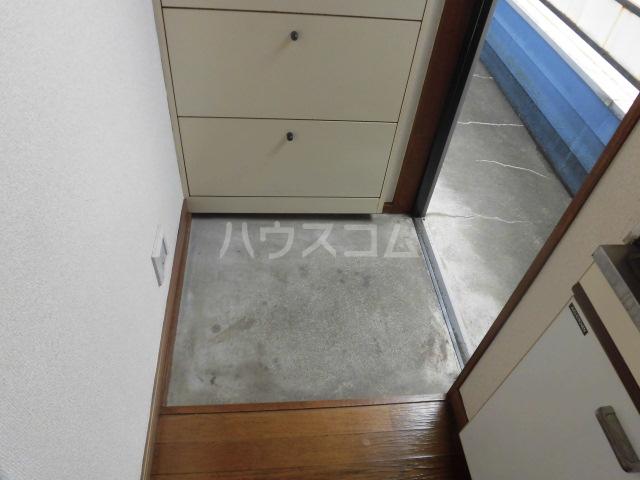 オーシャンパレス 00205号室の玄関