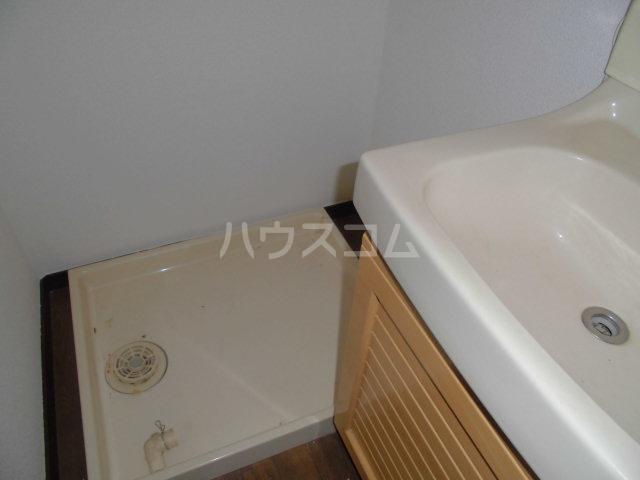 サンビレッジ三沢2 102号室の玄関