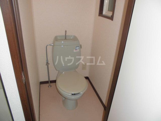 サンビレッジ三沢3 202号室のトイレ