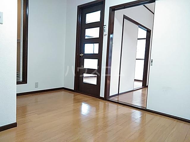 ストークハイツ中田 00202号室のベッドルーム