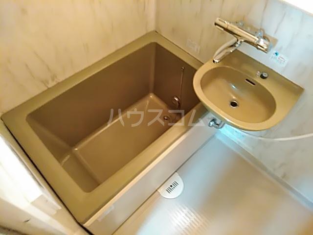 ストークハイツ中田 00202号室の風呂