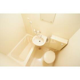 リバーブル田無 103号室のトイレ