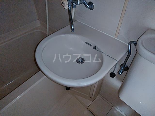 ケイエムハイツ 201号室の洗面所
