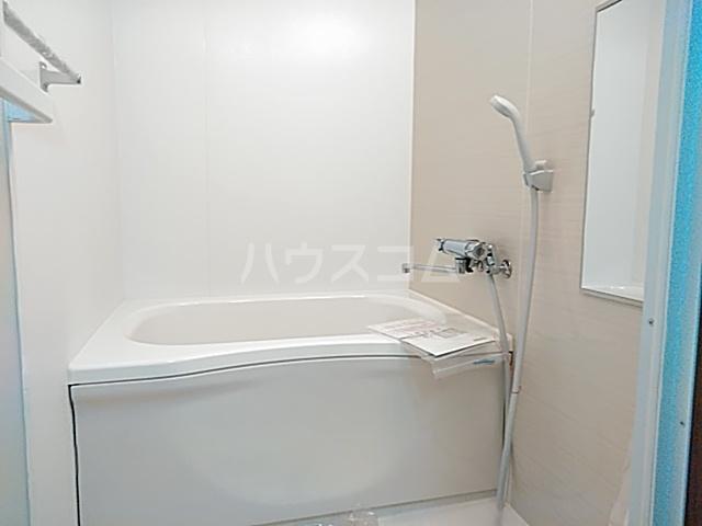 グランドールヤマト 00301号室の風呂