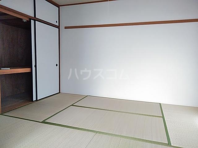 グランドールヤマト 00301号室のベッドルーム