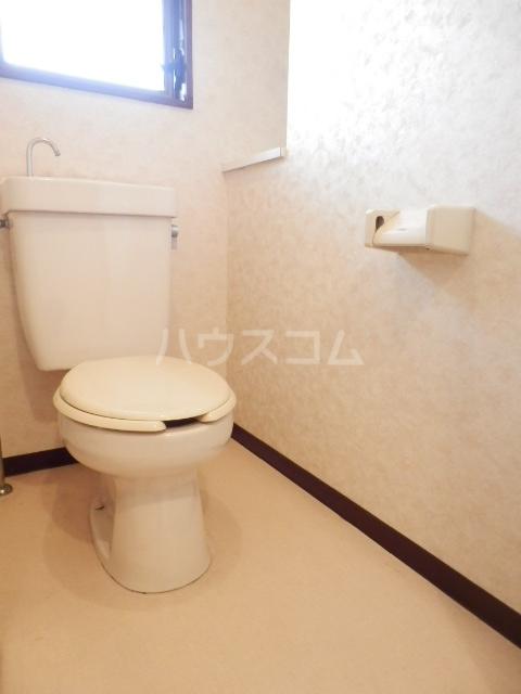 プティシャトレJIS 00302号室のトイレ
