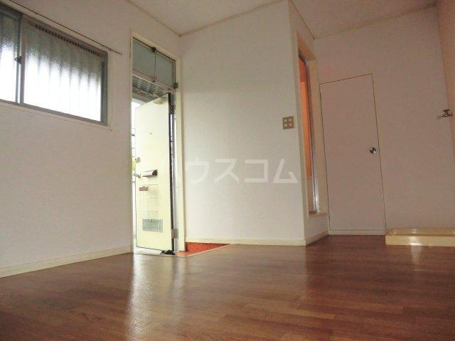 エレガンスハイムA 00202号室の玄関