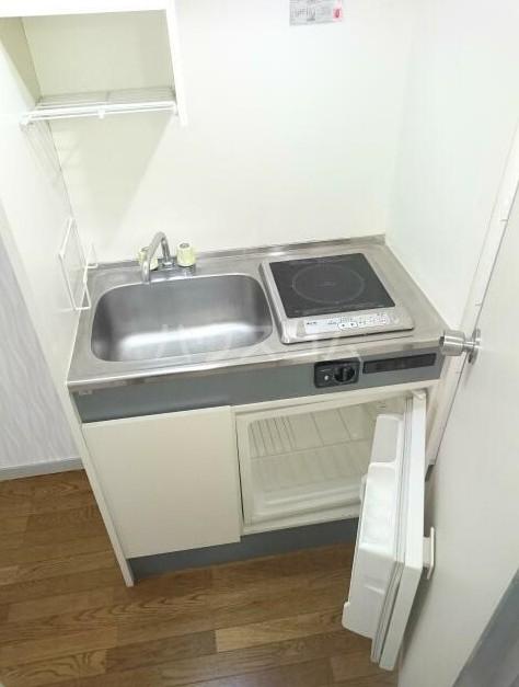 ニューメモリアルハイツ 103号室のキッチン