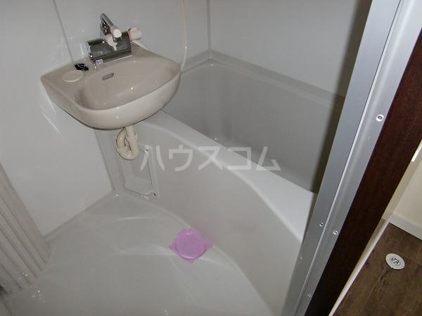 アベニール 00302号室の風呂