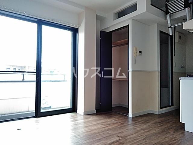 アベニール 00302号室の収納