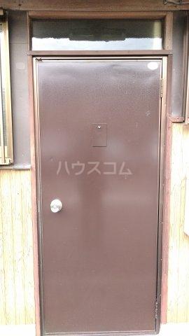 ユタカハイツの玄関