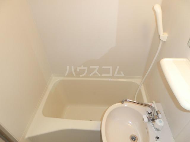 マーブルコート 202号室の風呂