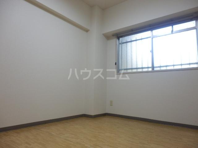 サンライズマンション 00106号室のリビング