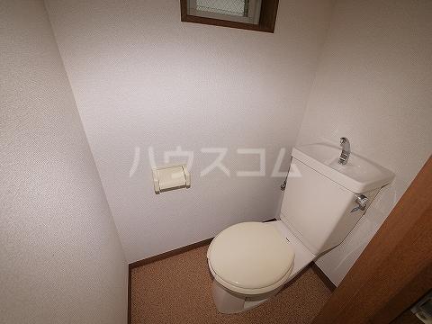 パリワール 102号室のトイレ