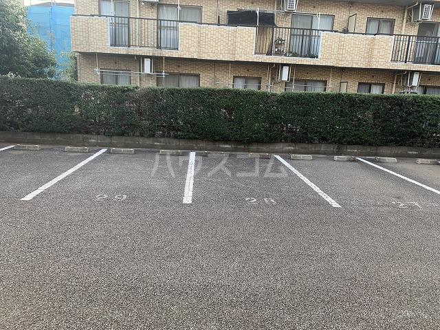 パルシオ西原 2号棟 105号室の駐車場