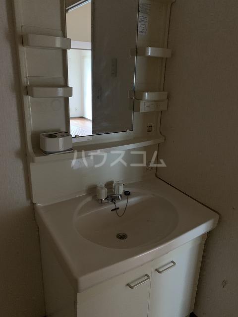 パルシオ西原 2号棟 105号室の洗面所