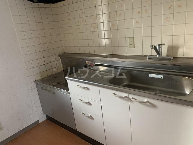 パルシオ西原 2号棟 204号室のキッチン