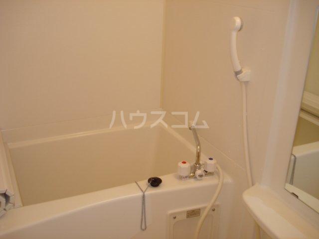 ペティハウス弐番館 00101号室の風呂