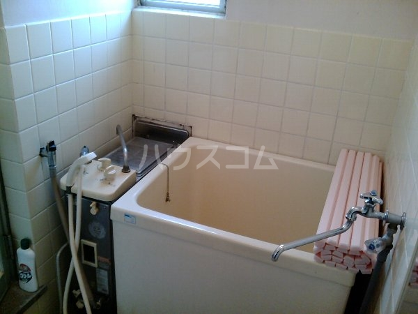 山梨マンション 1-A号室の風呂