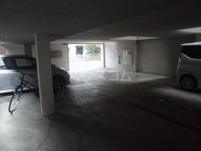 N-CASA 301号室の駐車場