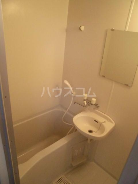 N-CASA 301号室の風呂