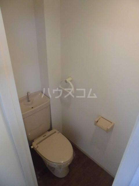 N-CASA 301号室のトイレ