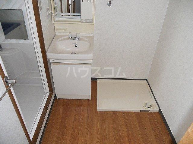 レジデンスヨコヤマ 303号室の洗面所