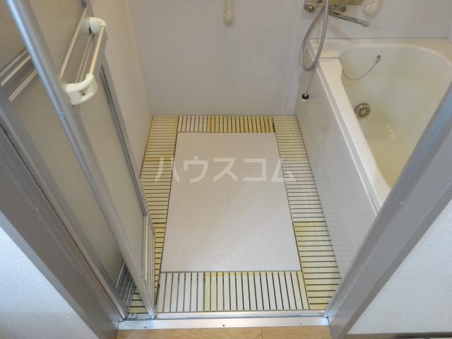クレセントメゾンドール 202号室の風呂