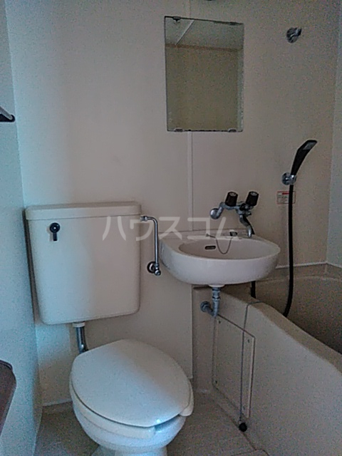 グレースコート 101号室の洗面所