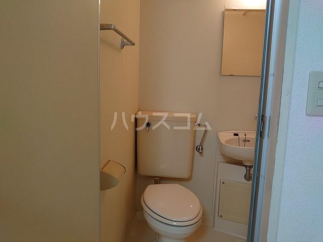 青葉台FineSquare 2G号室のトイレ