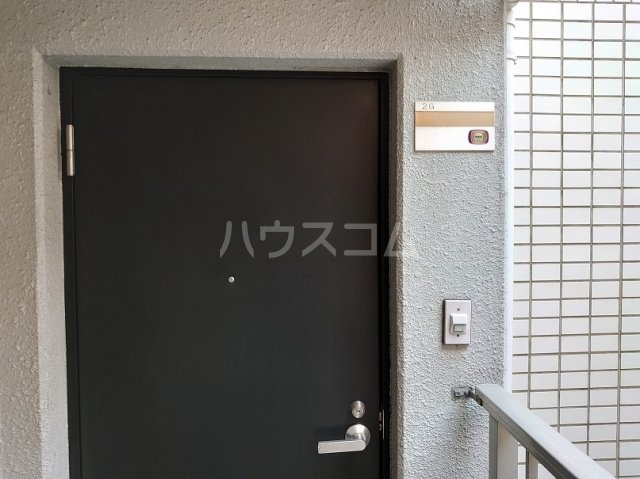 青葉台FineSquare 2G号室の玄関
