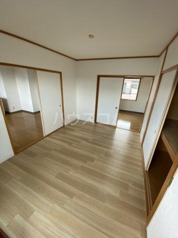フォレスト'98 B302号室の居室