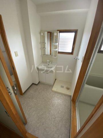 フォレスト'98 B302号室の洗面所