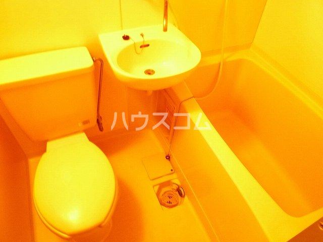 シェルブールBA 104号室のトイレ