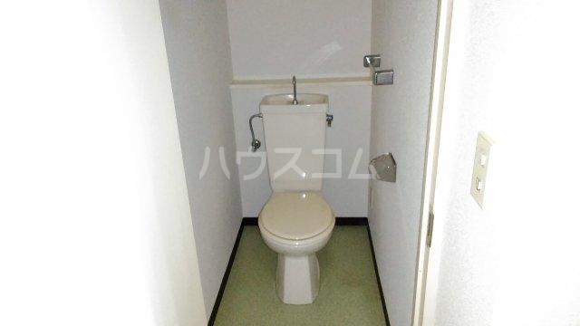 コンフォート桂台 407号室のトイレ