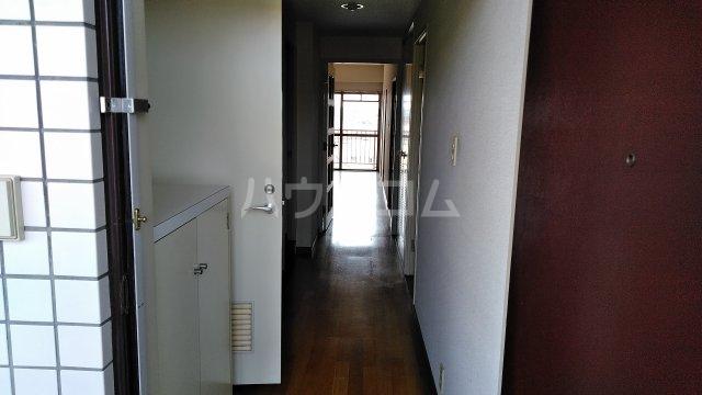 コンフォート桂台 407号室の玄関