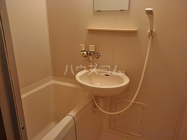 ヒルサイドメゾンA棟 102号室の風呂