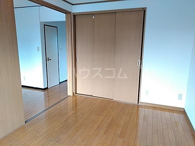 大西マンション 302号室の居室