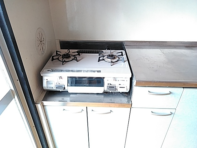 大西マンション 302号室のキッチン