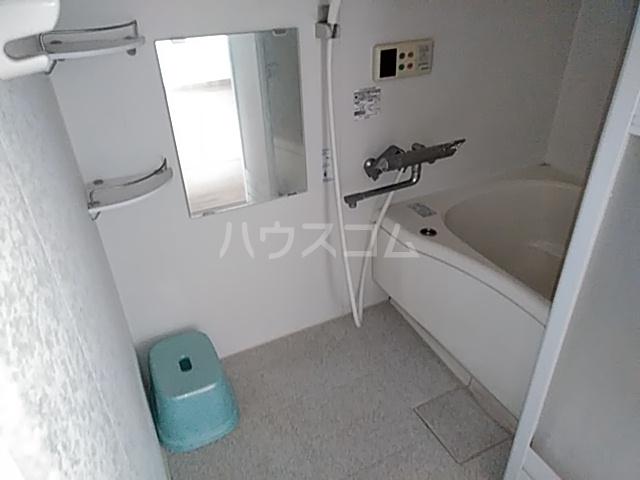 大西マンション 302号室の風呂